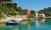 Prozura Travel Agency Provides Boat Tour
