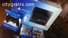 Sony PlayStation 4 + 2 Controllers
